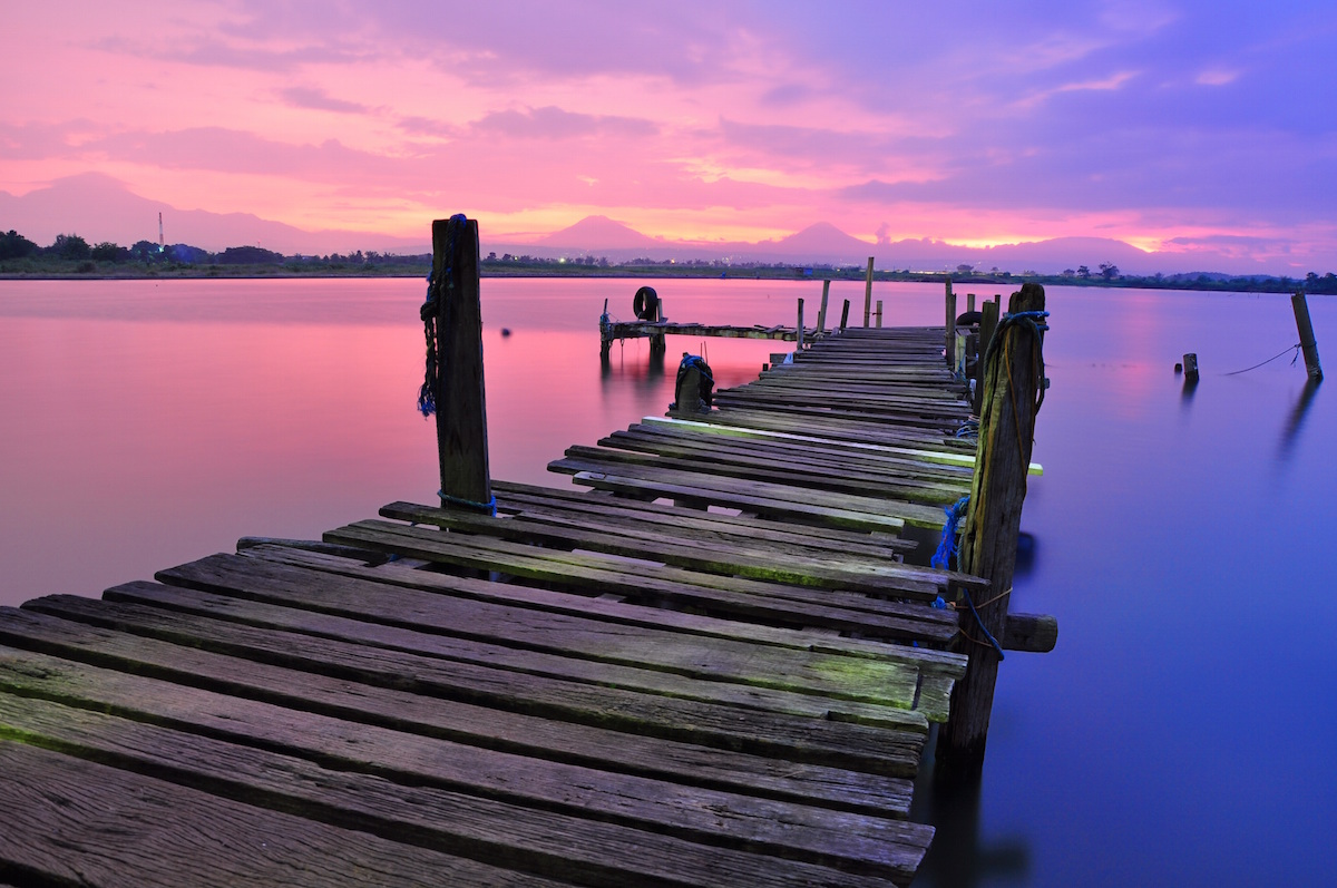 Pier at Sunset photo-1428999418909-363f8e091c50