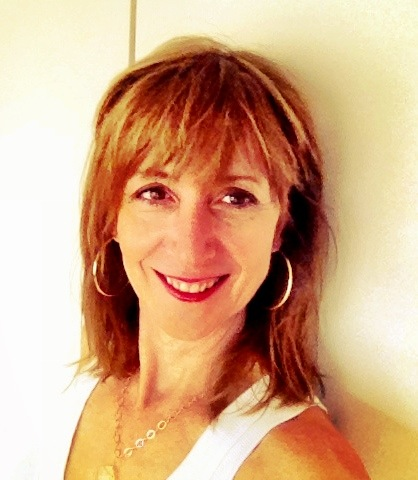 Joanne Tombrakos, Founder and Chief Storyteller, Joanne Tombrakos International <br>Creatrix of YOUR DIGITAL YOU and  the voice of your course